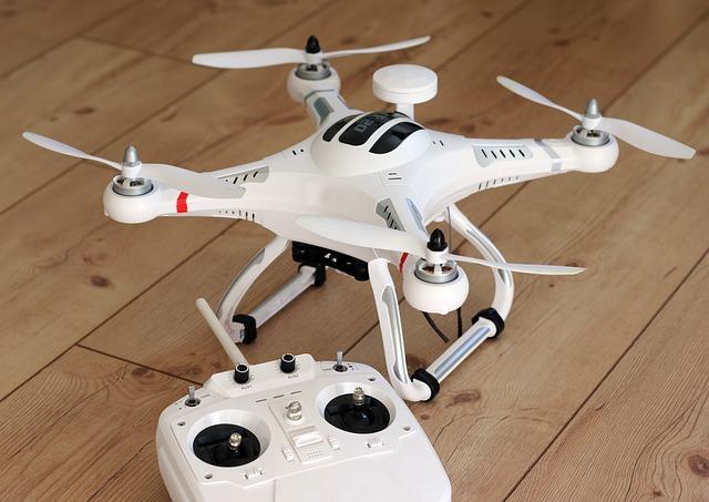 dron zdalnie sterowany