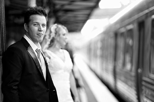 fotografia ślubna pary młodej