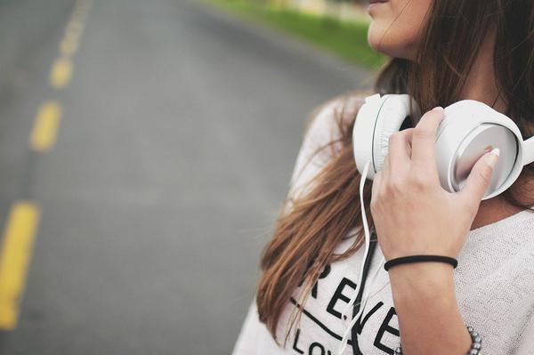 słuchawki bezprzewodowe xiaomi białe