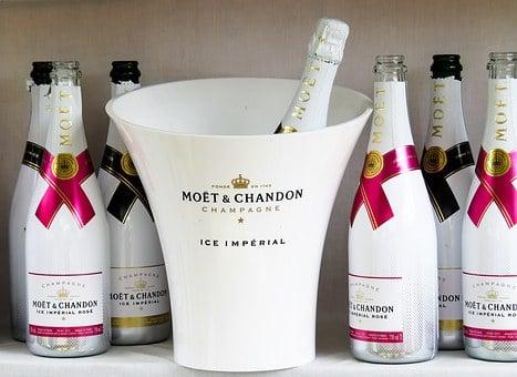 szampan moet